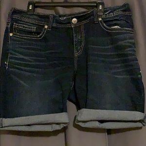 Silver Fluid Suki Denim Cuffed Shorts sz 18
